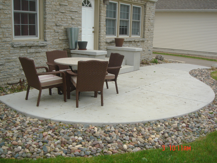 Concrete patios a pietig concrete brick paving - Concrete backyard design ...